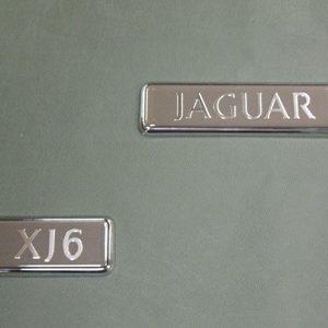 """SCRITTA \""""JAGUAR\"""" BAGAGLIAIO XJ40 2° TIPO"""